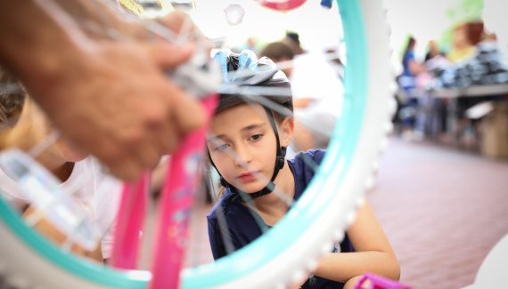 4th Street Live event Builds Bikes with Together We Rise